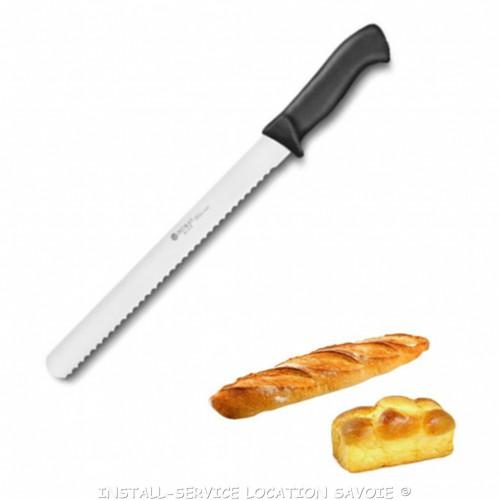 Couteau à pain et brioche